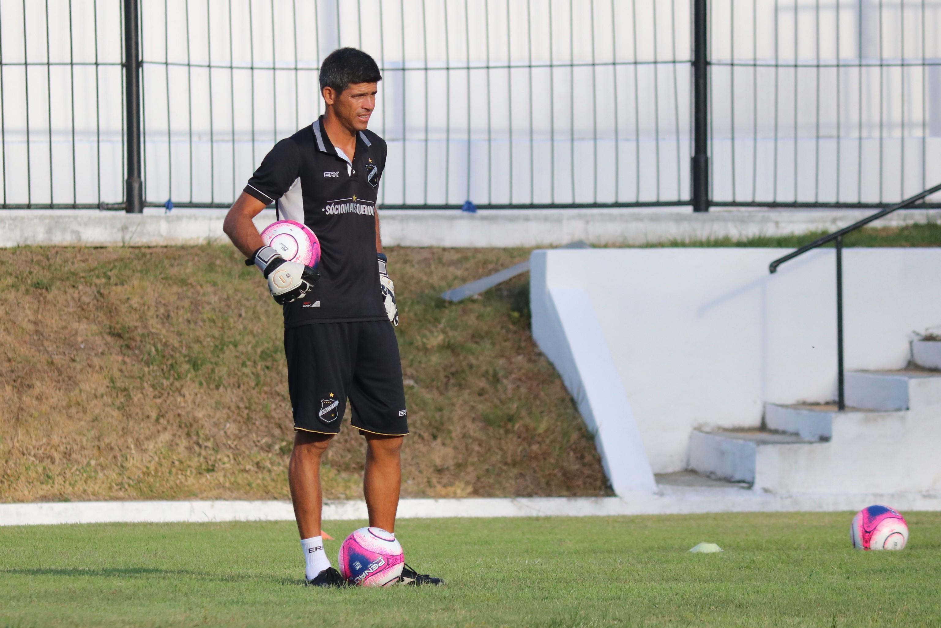 Emerson Medeiros é o novo treinador de goleiros da equipe